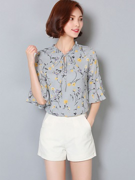 Floral Ruffled Collar Half Sleeve Blouse
