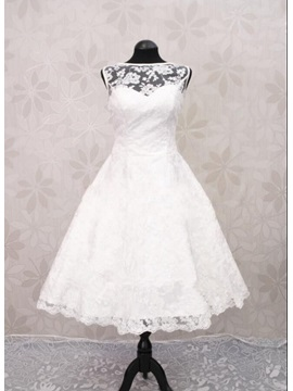 Bateau Neck Lace Short Beach Wedding Dress