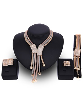 Multilayer Rhinestone Inlaid Alloy Jewelry Set