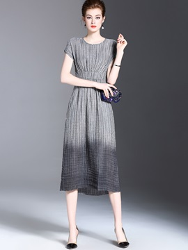 Chic Round Neck Short Sleeve Long Day Dress