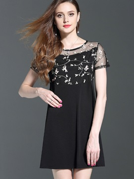 Chic Round Neck Short Sleeve Short Day Dress