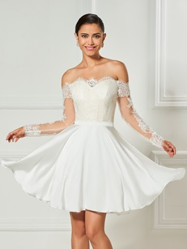 Sweet Scalloped Edge Appliques Lace Pleats Long Sleeves Cocktail Dress