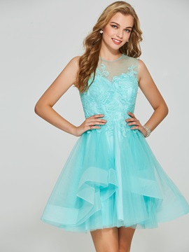 Charming A Line Appliques Scoop Short Homecoming Dress