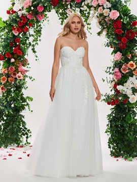 Sweetheart Neckline Appliques A Line Wedding Dress