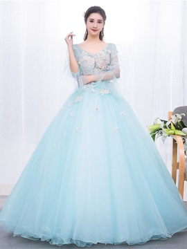 V Neck Ball Gown Long Sleeves Appliques Quinceanera Dress 2019