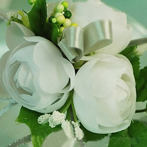 Delicate Pure White Silk Cloth Wedding Bridal Wrist Corsage