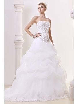 Elegant A Line Sweetheart Sleeveless Embroidery Dashas Wedding Dress