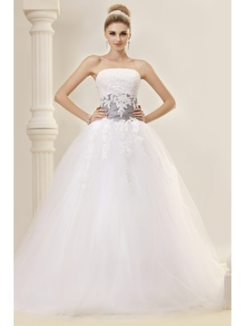 Elegant Ball Gown Strapless Appliques Chapel Train Dashas Wedding Dress