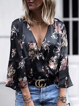 V-Neck Regular Print Nine Points Sleeve Standard Women's Blouse