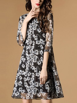 Round Neck Half Sleeve Floral Imprint Skater Dress
