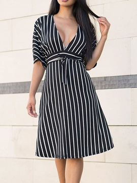 Knee-Length V-Neck Half Sleeve Pullover Women's Dress