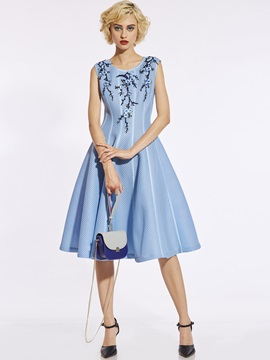 Round Neck Floral Embroideried Women's A-Line Dress