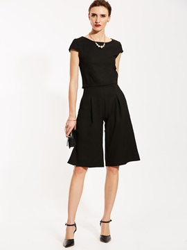 Plain T-shirt And Knee Length Wide Legs Pants Suit