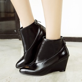 Solid Color Pointed Toe Wedge Boots