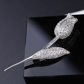 White Rose Shape Silver Plated Zircon Inlaid Brooch