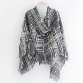 Grid Design Knitted Fringed Scarf