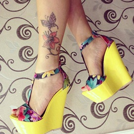 Floral Printed T-Strap Wedge Sandals