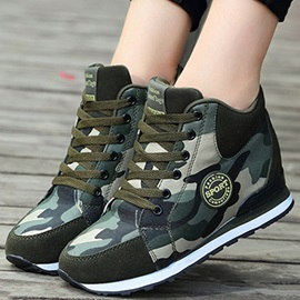 Cloth Camouflage Lace-Up Hidden Heel Women's Sneakers