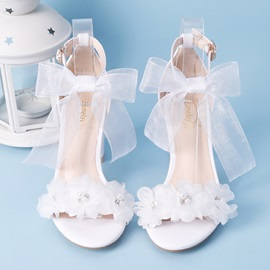 Floral Line-Style Buckle Chunky Heel Wedding Shoes
