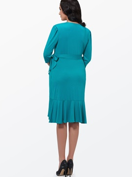 Solid Color V-Neck Plus Size Women's Day Dress