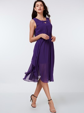 Solid Color Hollow Sleeveless Day Dress