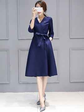 V-Neck 3/4 Sleeve A-Line Day Dress