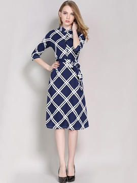 Plaid Lapel Half Sleeve Lace-Up Expansion Day Dress