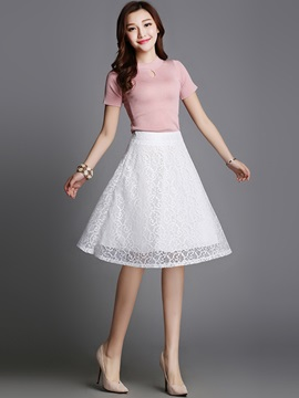 Lace Hollow-Out Pleated Skirt