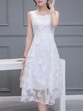 Lace Embroidered Women's Day Dress