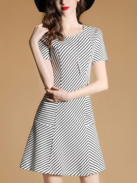Chic Vertical Stripes Short Sleeve Skater Dress