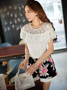 Sweet Lace Ruffle Decorated Round Neck Blouse