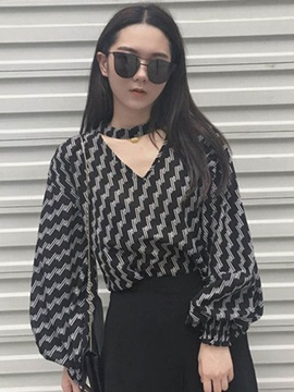 V-Neck Wave Print Lantern Sleeve Blouse