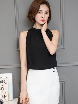 Round Neck Pleated Sleeveless Blouse