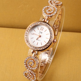 Round Dial with Rhinestone Women's Chain Watch