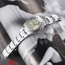 Little Dial Analog Women's Chain Watch