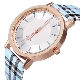 Casual Checked Band Quartz Watch