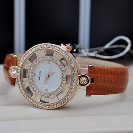 Trendy Hollow Diamante Women's Quartz Watch