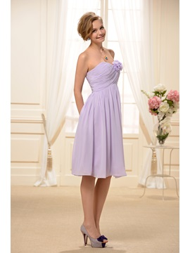 Pure Strapless Flowers Ruched A-Line Knee-length Bridesmaid/Homecoming Dress