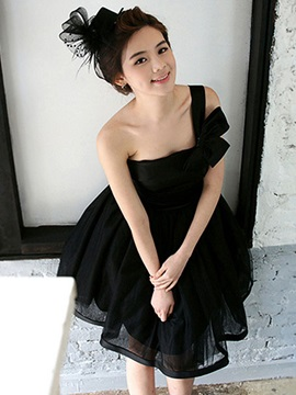Adorable One-Shoulder Organza Short Bridesmaid Dress