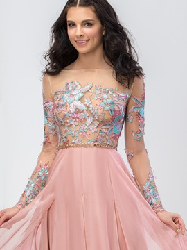 Stunning Bateau Neck Long Sleeves Appliques Prom Dress