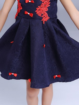 Embroidery Bowknot Decorated Girl's Dress