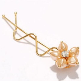 Sweet Flower Wavy Hair Clip