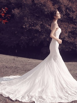 Amazing Strapless Lace Mermaid Wedding Dress