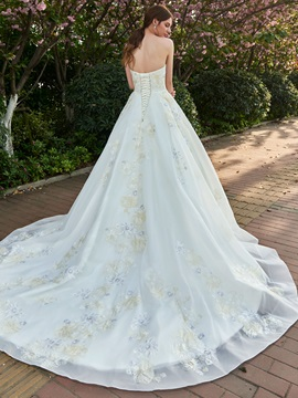 Embroidery Appliques Ball Gown Wedding Dress