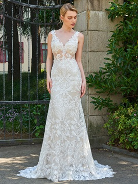 Superior V-Neck Appliques Lace Wedding Dress