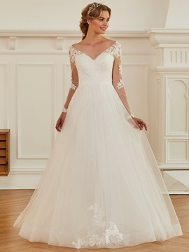 Vintage V-Neck Appliques Long Sleeve Wedding Dress