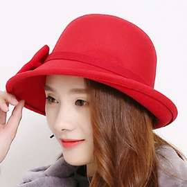 Bowknot Decorated Wool Blends Women's Hat