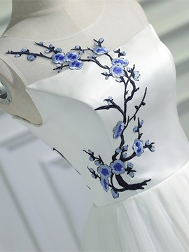 A-Line Scoop Embroidery Floor-Length Evening Dress