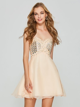 Charming A-Line Sweetheart Beading Pleats Short Homecoming Dress