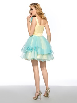 Eye-catching A-Line One Shoulder Flower Ruched Short Homecoming/Sweet 16 Dress